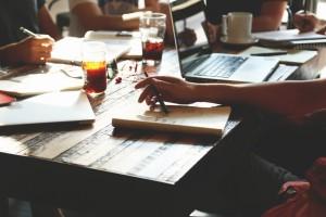 startup_working_around_table-1170x780
