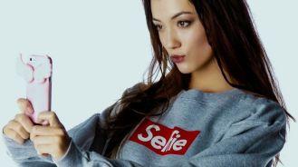 htc-desire-eye-smartphone-fans-selfie-raqwe.com-01.jpg